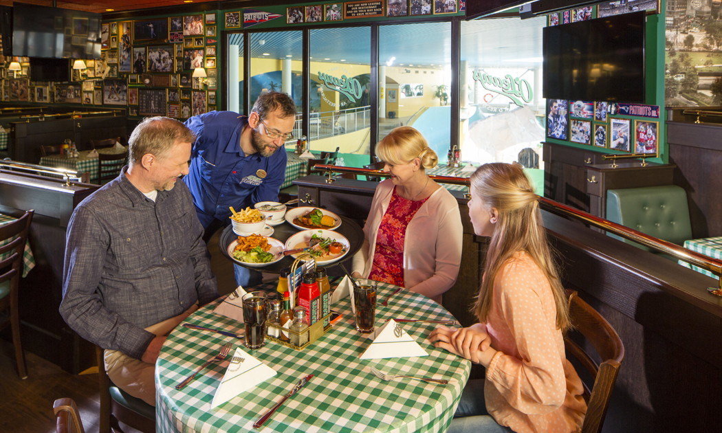 01family and waiter in o'learys hor.jpg